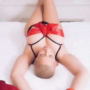 Oliphie erotic massage in Milford, call girl