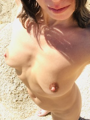 Kymberley nuru massage in Gardner KS and call girls