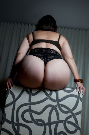 Najima live escort in Noblesville and thai massage