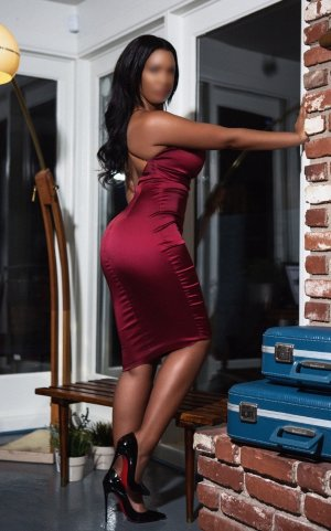Carminda escort girl in Somerville & nuru massage